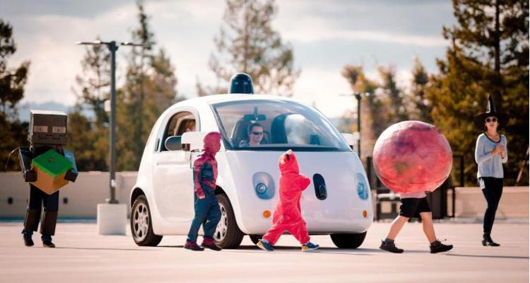 Google Car, abbandonata l'idea di una auto a guida autonoma