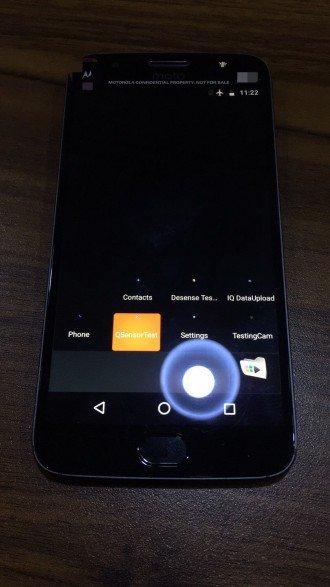 Moto X 2017: eccolo in delle prime foto dal vivo (funzionante!)