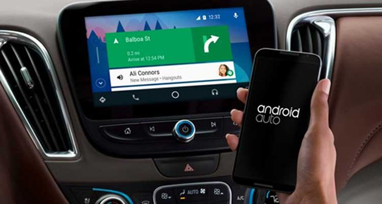 Android Auto sparirà dagli smartphone con Android 12: cosa lo sostituirà?