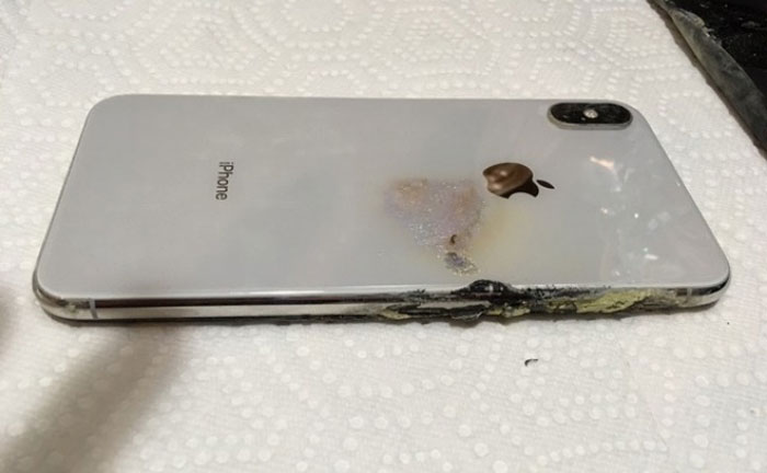 iphone xs esplode