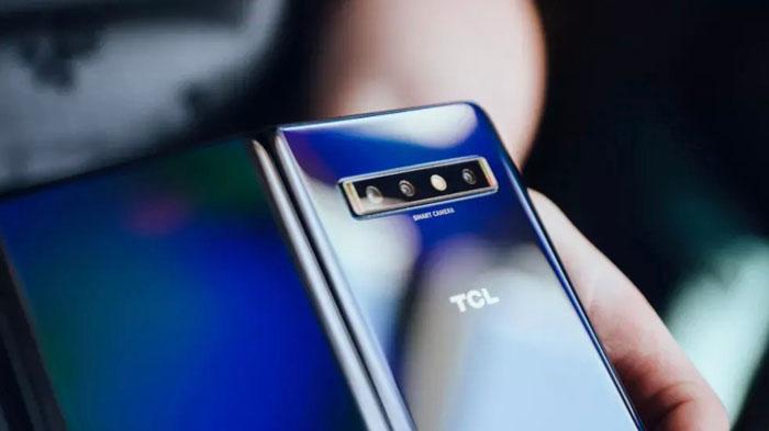 smartphone pieghevole tcl