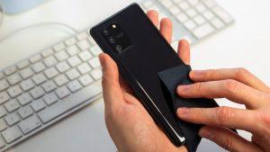 pulire e disinfettare lo smartphone