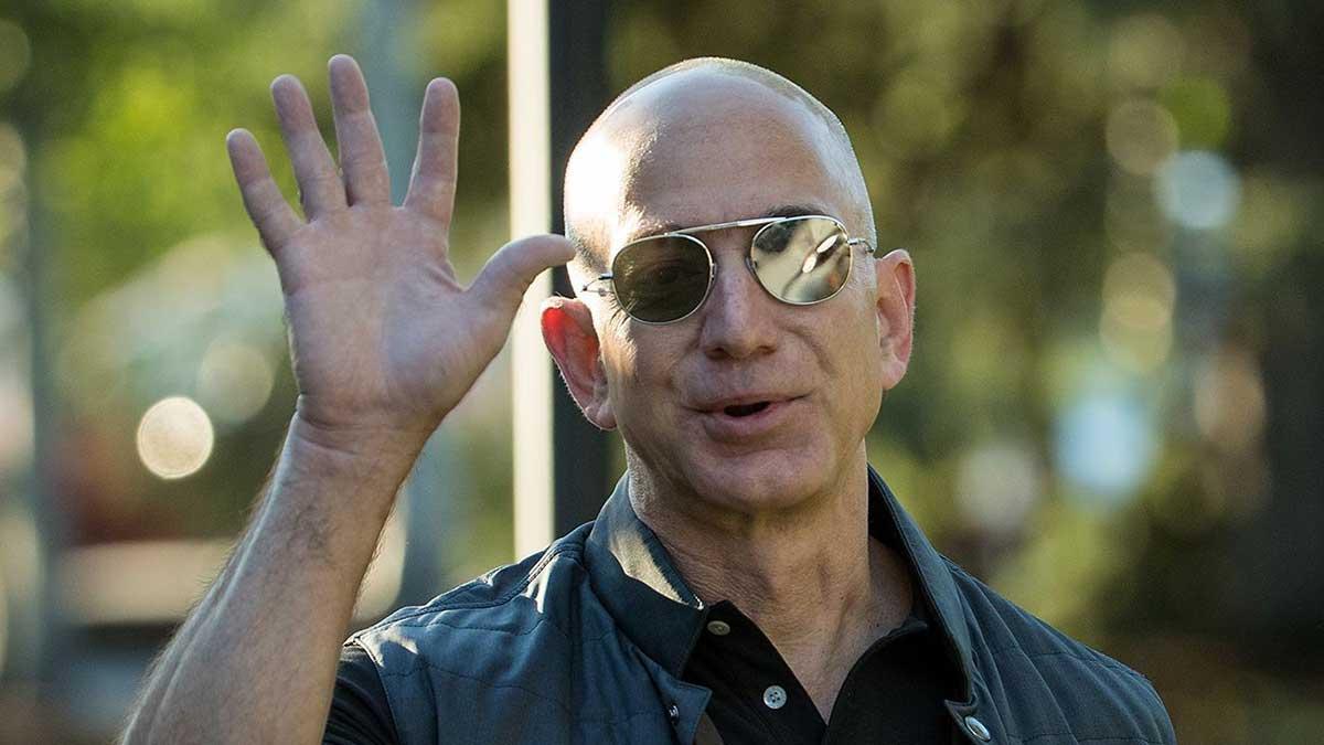 Jeff Bezos si dimette da CEO di Amazon: ecco di cosa si occuperà adesso