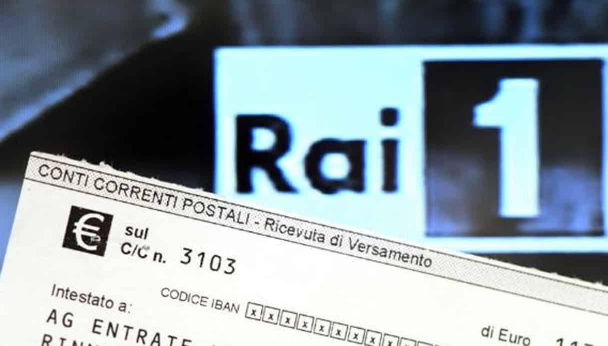 Basta canone Rai in bolletta: il Governo Draghi valuta il ritorno al passato