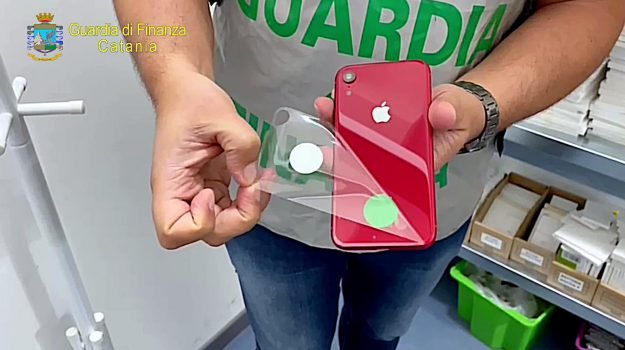 apple iphone merce contraffatta catania