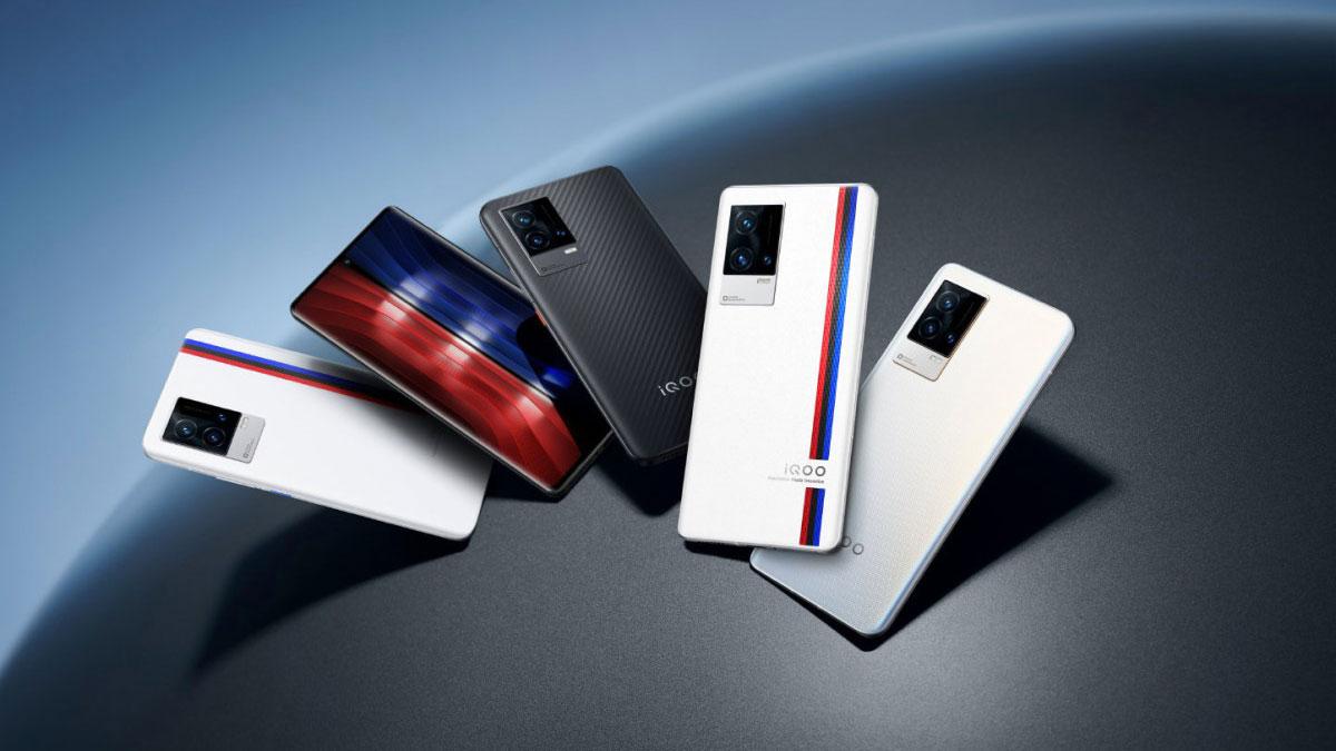 iQOO 8 e 8 Pro ufficiali con Snapdragon 888+ e ricarica rapida a 120W