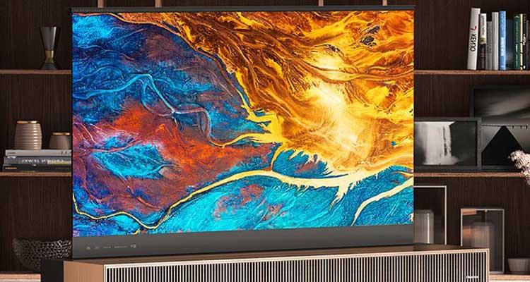 Hisense annuncia la prima TV laser al mondo con schermo arrotolabile